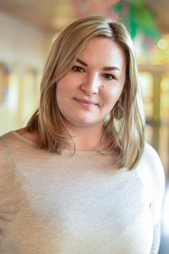 Yvonne Fenz (Schulassistentin)